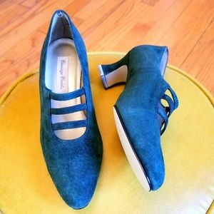 VTG NWOT Carriage Court Green Suede MaryJanes